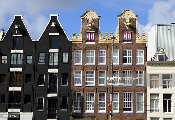 typical canal houses, amsterdam, the netherlands - frans sellies stock pictures, royalty-free photos & images