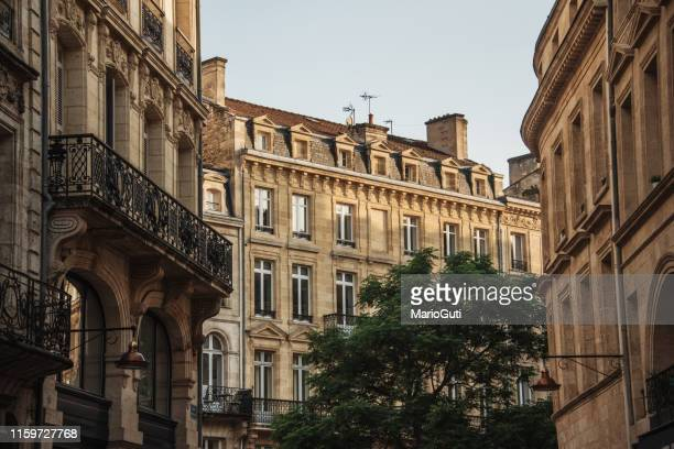 ボルドーの代表的なフランス建築 - ボルドー ストックフォトと画像