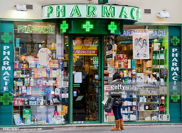 Français typique pharmacie, Paris