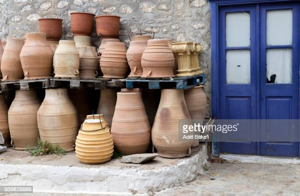 typical greek ceramics pots (hydra, greece) - hydra greece stock photos and pictures