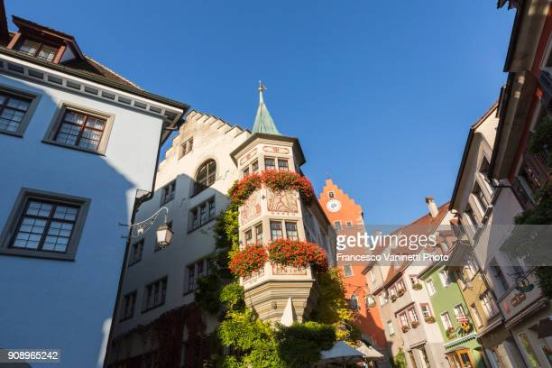 typical houses in the town center. meersburg, baden-württemberg, germany. - baden württemberg foto e immagini stock