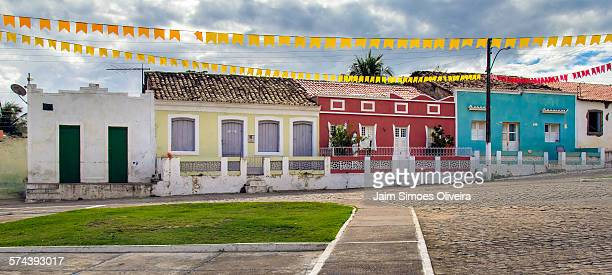 typical houses of entremontes town - piranha photos et images de collection