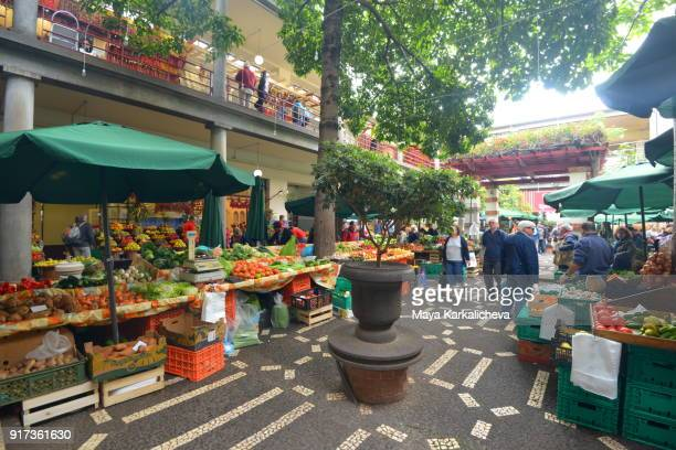 typical market in madeira island, atlantic ocean, portugal - funchal stock pictures, royalty-free photos & images