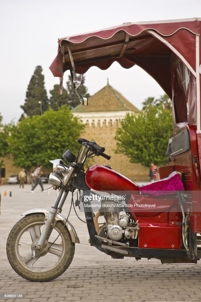 Typical motor-taxi in Place (square) Baghdadi : Stock-Foto