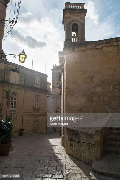 typical narrow street, vittoriosa, malta - sean malyon stock pictures, royalty-free photos & images