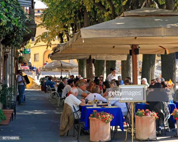 Typische Outdoor-Sidewalk Cafe Toskana Italien
