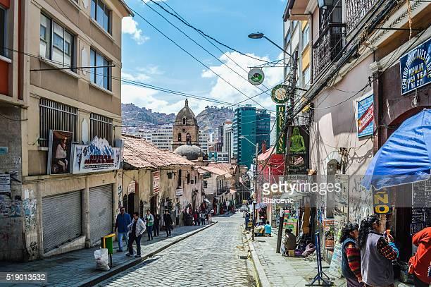 Calle típica en La Paz, Bolivia