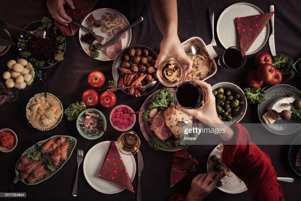 Typisch schwedische skandinavische Weihnachten Smörgåsbord Essen : Stock-Foto
