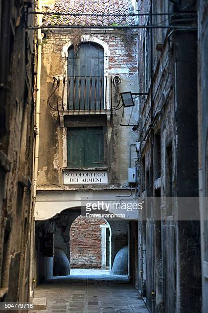 typical venice street - emreturanphoto stock pictures, royalty-free photos & images