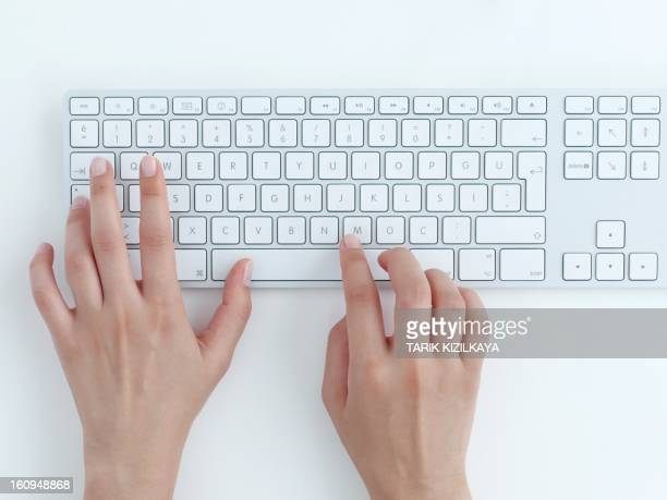typing on keyboard. - computertoetsenbord stockfoto's en -beelden