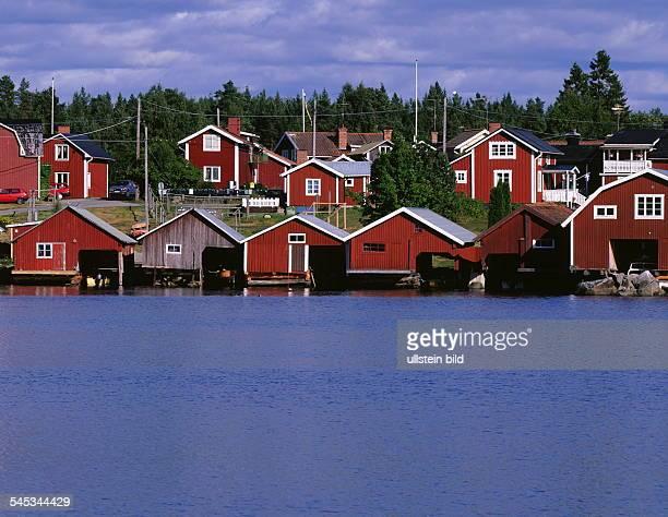 Typische schwedische Holzhäuser im Fischerdorf Mellanfjärden 1999