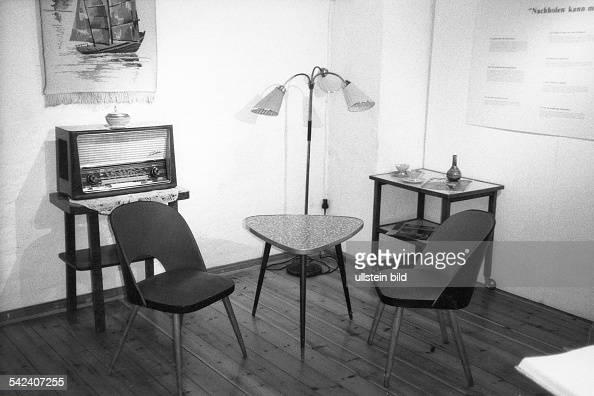 Typische Wohnzimmereinrichtung Inberlin Kreuzberg Der 50er Jahre