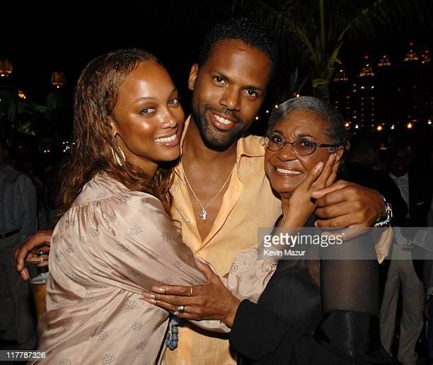 Tyra Banks Janet Jackson Tweet: Sol Kerzner Stock Photos And Pictures