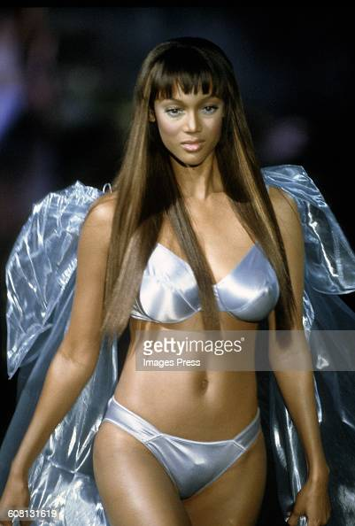 Tyra Banks At The 1999 Victoria S Secret Fashion Show