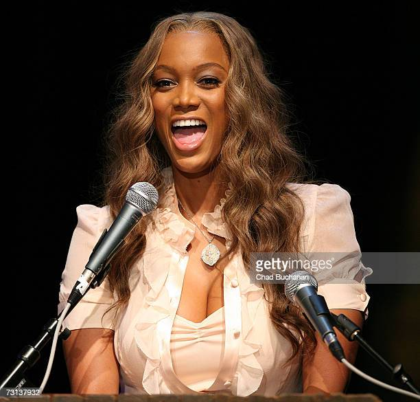 Tyra Banks attends the I Have a Dream Foundation Los Angeles Dream Keeper Awards at the House of Blues on January 28 2007 in West Hollywood California