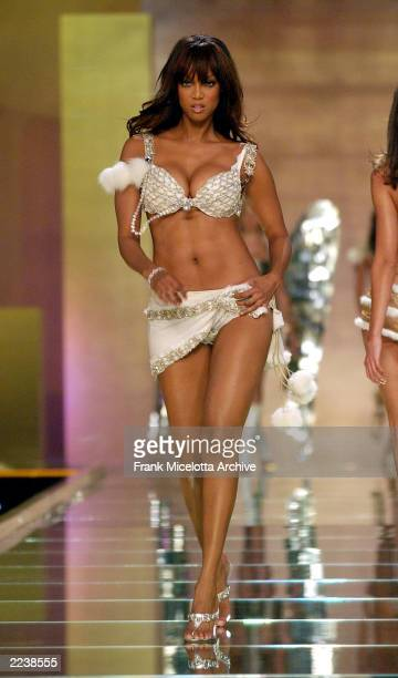Tyra Banks on the runway during the 2002 Victoria's Secret Fashion Show at the Lexington Avenue Armory in New York City November 14 2002 The show...