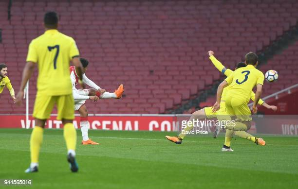Tyreece JohnJules scores Arsenal's 1st goal during the match between Arsenal U23 and Villarreal U23 at Emirates Stadium on April 10 2018 in London...