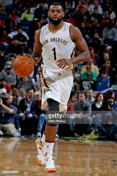 Tyreke Evans of the New Orleans Pelicans dribbles the ball up court against the Charlotte Hornets on January 15 2016 at the Smoothie King Center in...