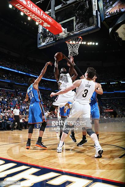Tyreke Evans of the New Orleans Pelicans shoots the ball against the Oklahoma City Thunder during the game on December 2 2014 at the Smoothie King...