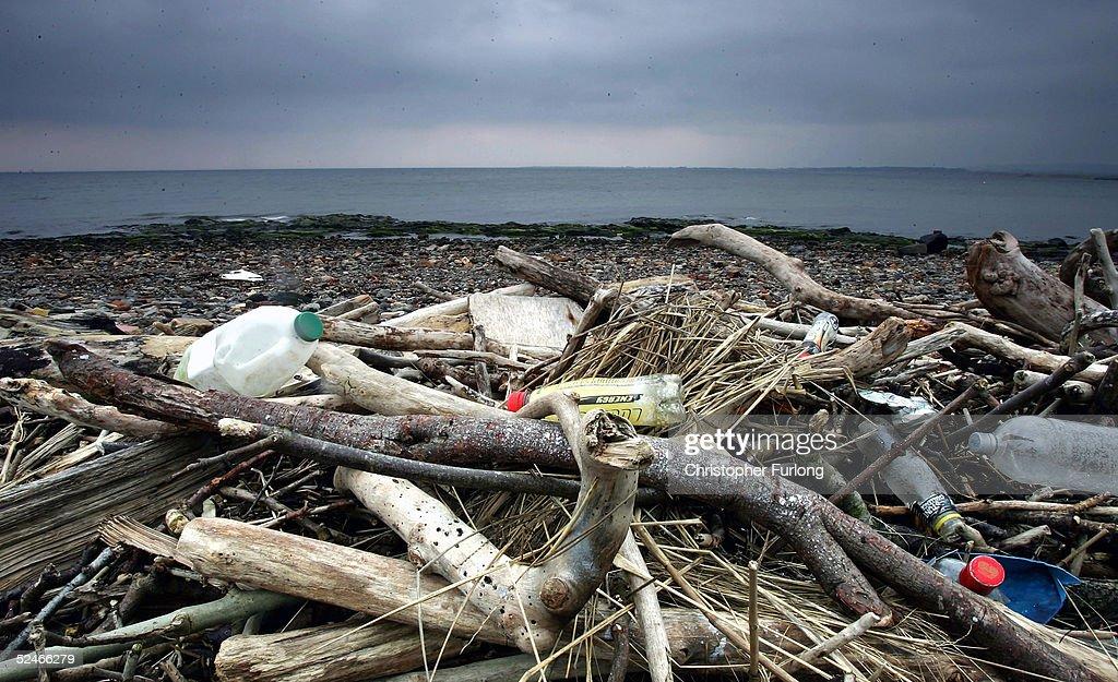 Rubbish Litters UK Beaches : News Photo