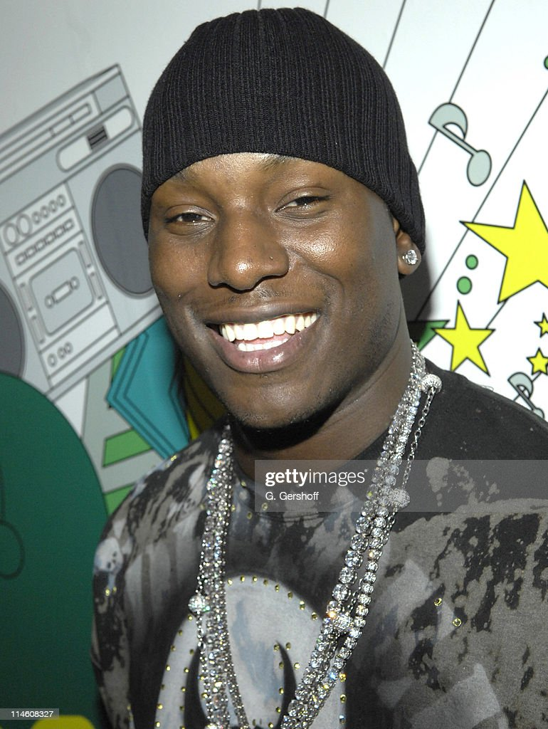 """Mary J. Blige, Young Jeezy and Tyrese visit MTV's """"TRL"""" - December 12th, 2006"""