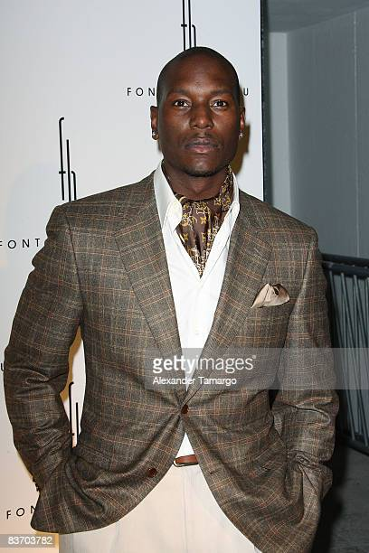 Tyrese Gibson arrives for the grand opening of Fontainebleau Miami Beach on November 14, 2008 in Miami Beach, Florida.