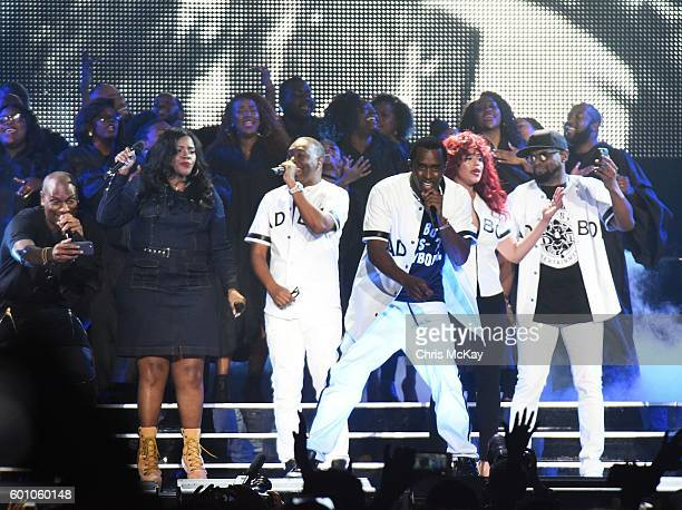 Tyrese Gibson Kelly Price Sean 'P Diddy' Combs aka Puff Daddy Faith Evans and Carl Thomas perform at Philips Arena on September 8 2016 in Atlanta...