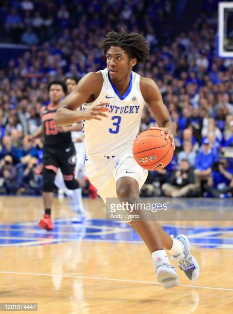 Tyrese Maxey of the Kentucky Wildcats dribbles the ball against the Georgia Bulldogs at Rupp Arena on January 21, 2020 in Lexington, Kentucky.