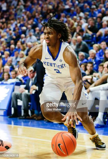 Tyrese Maxey of the Kentucky Wildcats dribbles the ball against the Florida Gatos during the second half of the game at Rupp Arena on February 22,...
