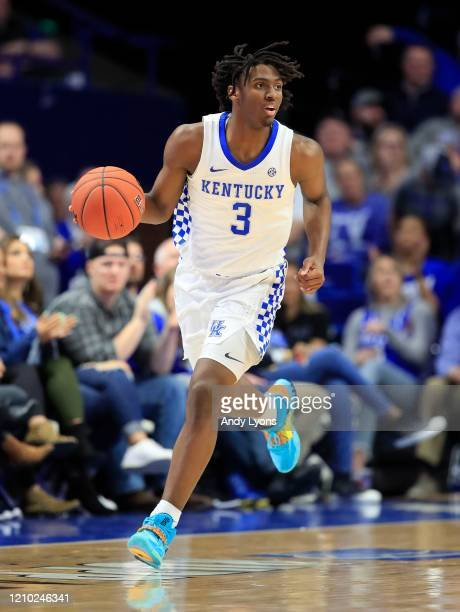Tyrese Maxey of the Kentucky Wildcats dribbles the ball against against the Tennessee Volunteers at Rupp Arena on March 03, 2020 in Lexington,...