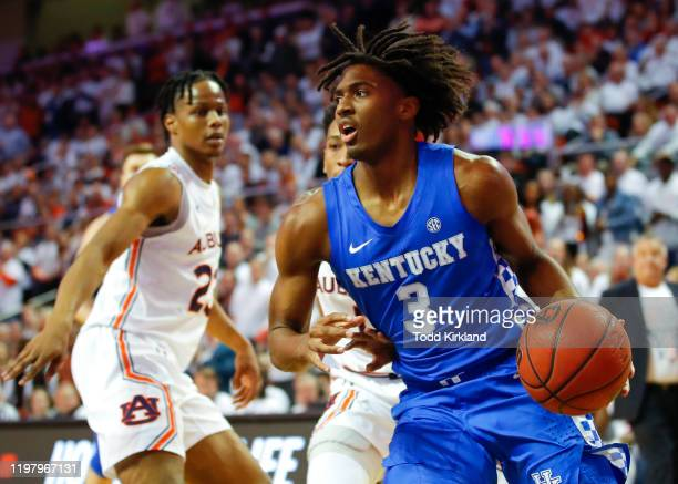Tyrese Maxey of the Kentucky Wildcats drives to the basket during the first half of the game against the Auburn Tigers at Auburn Arena on February 1,...
