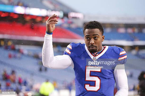 Tyrod Taylor of the Buffalo Bills acknowledges the crowd after the Bills beat the New York Jets 2217 at Ralph Wilson Stadium on January 3 2016 in...