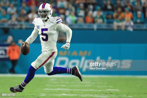 Tyrod Taylor of the Buffalo Bills rushes during the fourth quarter against the Miami Dolphins at Hard Rock Stadium on December 31 2017 in Miami...