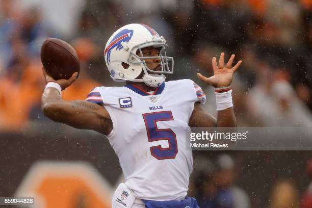 Tyrod Taylor of the Buffalo Bills throws a pass during the first quarter of the game against the Cincinnati Bengals at Paul Brown Stadium on October...