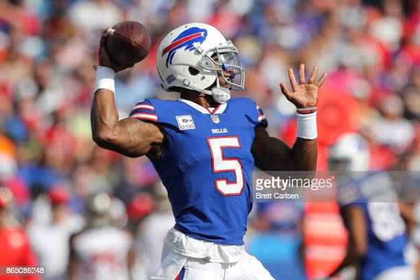 Tyrod Taylor of the Buffalo Bills throws the ball during an NFL game against the Tampa Bay Buccaneers on October 22 2017 at New Era Field in Orchard...