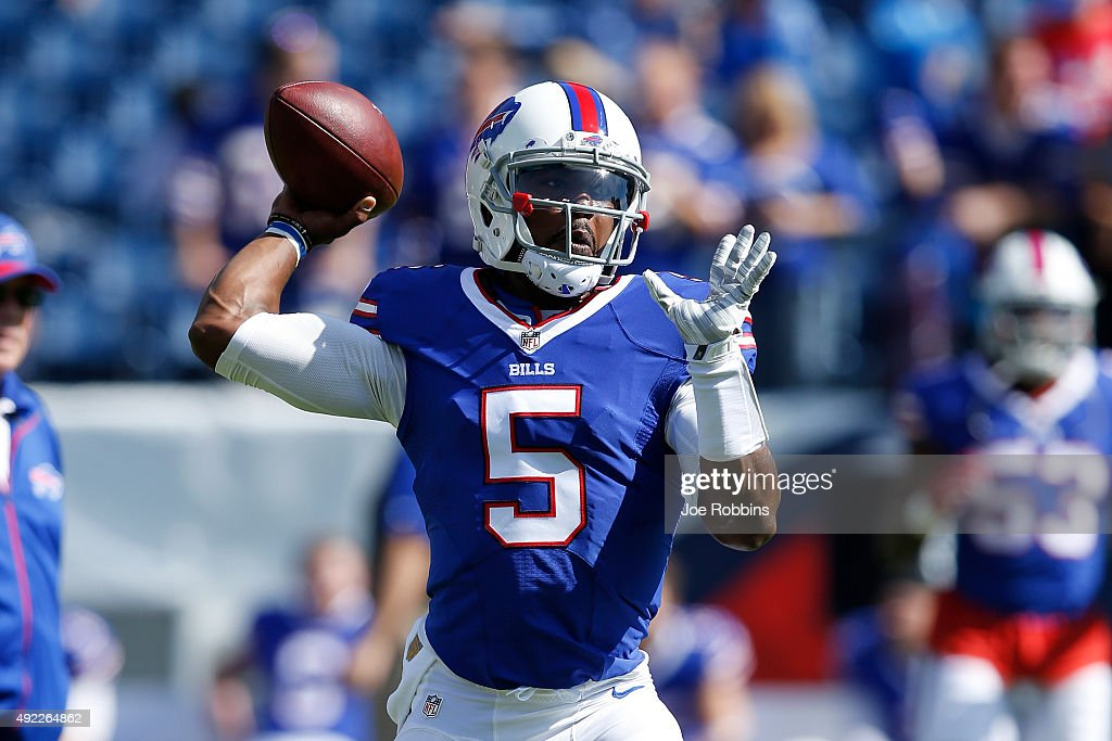 Tyrod Taylor #5 of the Buffalo Bills warms up before the game against the Tennessee Titans at Nissan Stadium on October 11, 2015 in Nashville, Tennessee.
