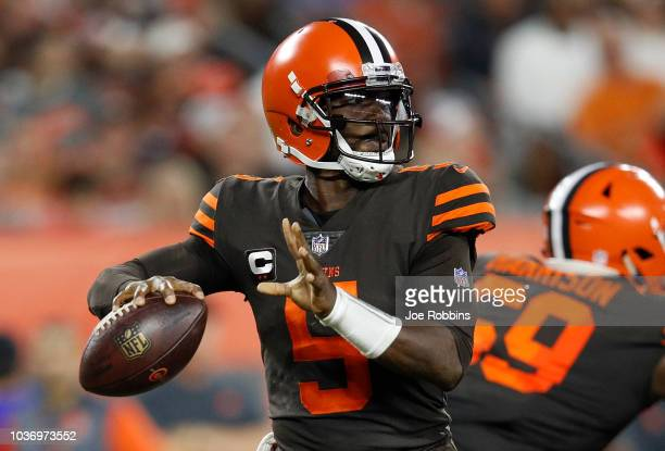 Tyrod Taylor of the Cleveland Browns drops back to pass during the second quarter against the New York Jets at FirstEnergy Stadium on September 20...
