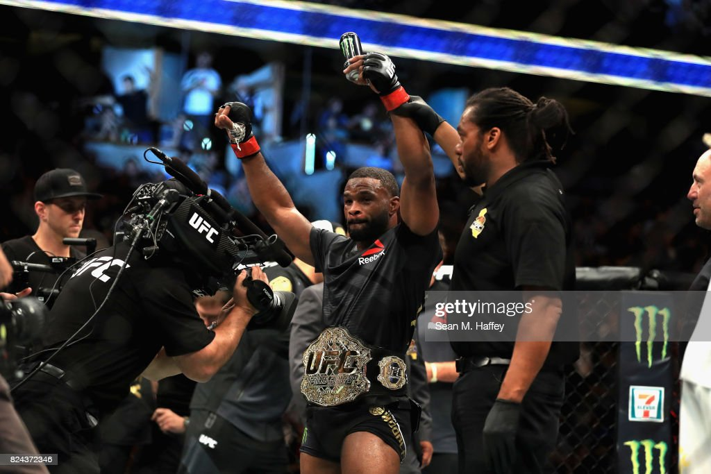 UFC 214 Tyron Woodley vs. Demian Maia : News Photo