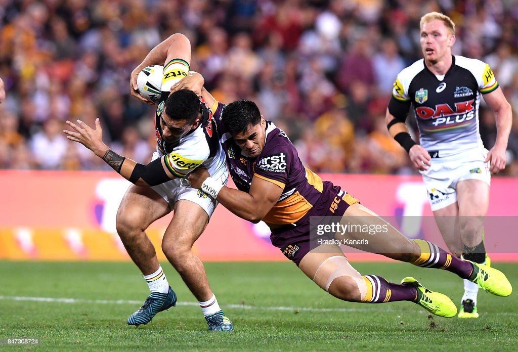 Tyrone May of the Panthers attempts to break away from the defence during the NRL Semi Final match between the Brisbane Broncos and the Penrith Panthers at Suncorp Stadium on September 15, 2017 in Brisbane, Australia.