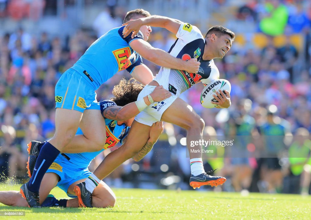 Tyrone Peachey of the Panthers forces his way through the Titans defence during the round six NRL match between the Penrith Panthers and the Gold Coast Titans on April 15, 2018 in Penrith, Australia.