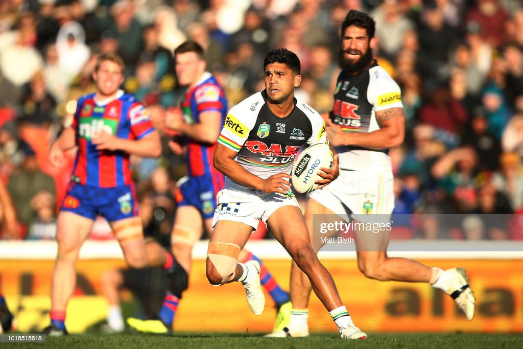 Tyrone Peachey of the Panthers makes a break during the round 23 NRL match between the Penrith Panthers and the Newcastle Knights at Panthers Stadium on August 18, 2018 in Sydney, Australia.