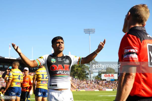 Tyrone Peachey of the Panthers reacts to the touch judge after a try was disallowed during the round one NRL match between the Penrith Panthers and...