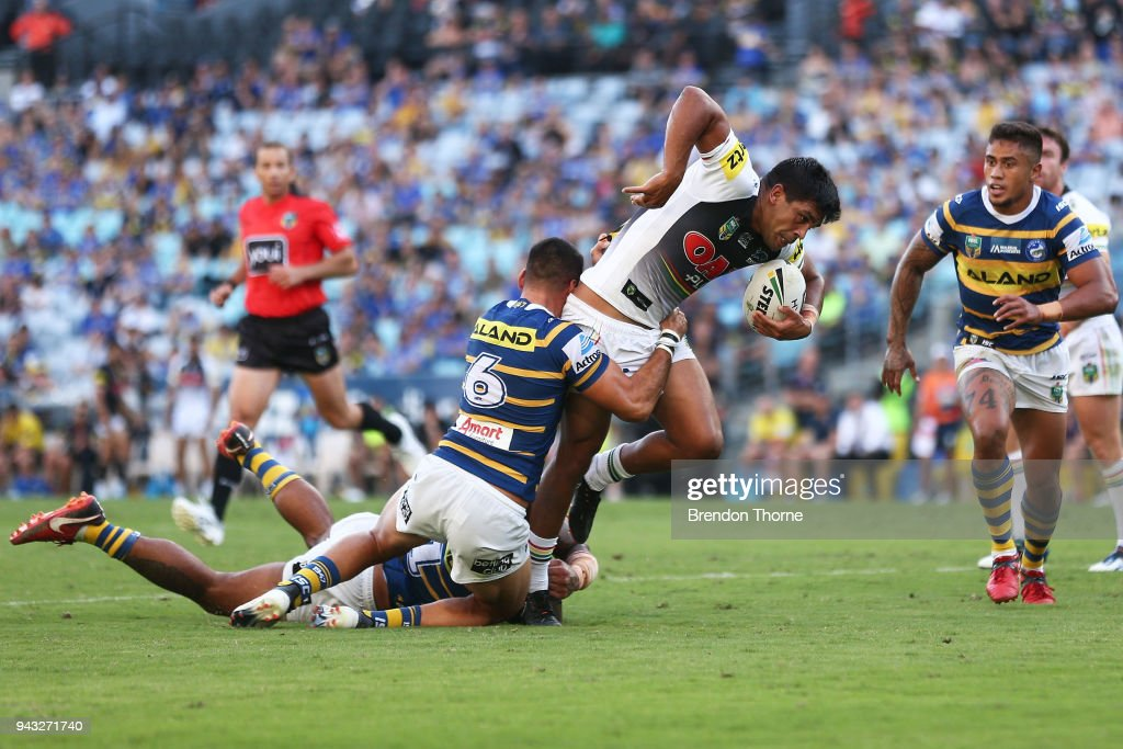 Tyrone Peachey of the Panthers runs the ball during the round five NRL match between the Parramatta Eels and the Penrith Panthers at ANZ Stadium on April 8, 2018 in Sydney, Australia.