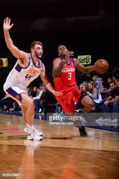 Tyrone Wallace of the Agua Caliente Clippers handles the ball against the Northern Arizona Suns on November 4 2017 at Prescott Valley Event Center in...