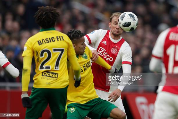 Tyronne Ebuehi of ADO Den Haag Siem de Jong of Ajax during the Dutch Eredivisie match between Ajax v ADO Den Haag at the Johan Cruijff Arena on...