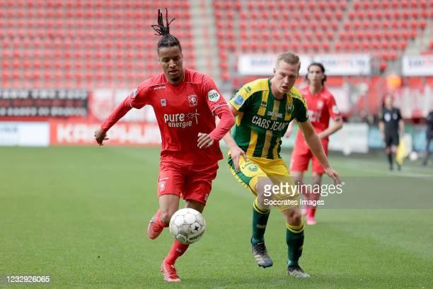 Tyronne Ebuehi of FC Twente, Boy Kemper of ADO Den Haag during the Dutch Eredivisie match between Fc Twente v ADO Den Haag at the De Grolsch Veste on...