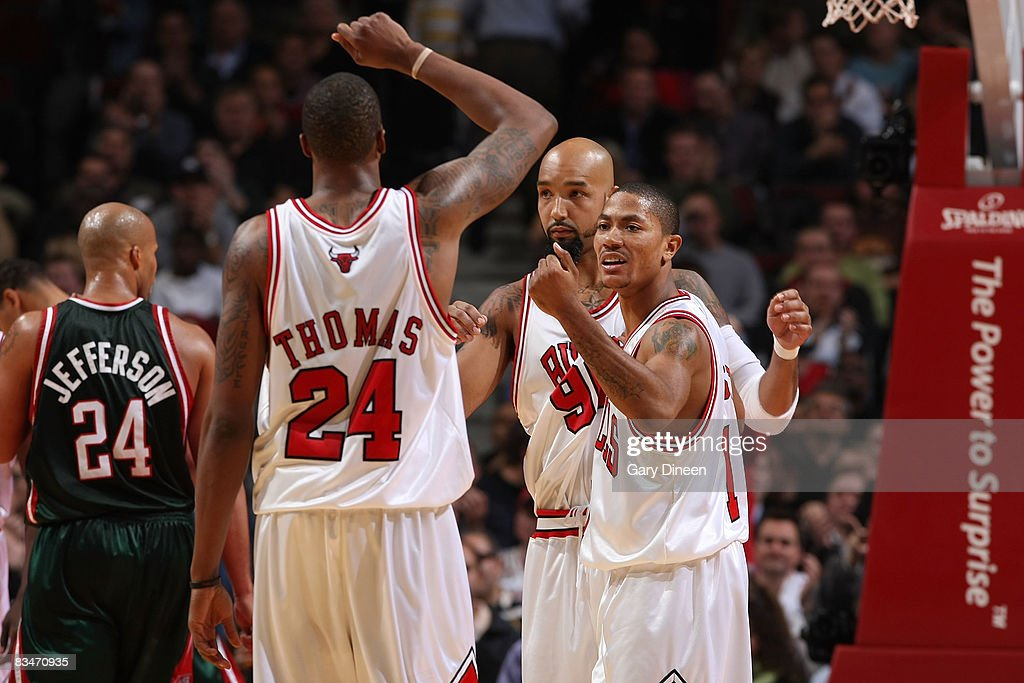Tyrus Thomas, Derrick Rose, and Drew Gooden of the Chicago