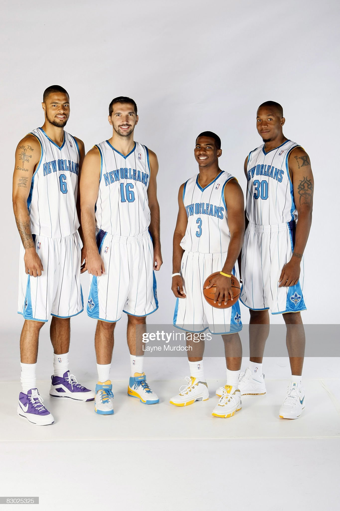 ¿Cuánto mide Peja Stojakovic? - Altura - Real height Tyson-chandler-peja-stojakovic-chris-paul-and-david-west-of-the-new-picture-id83025325?s=2048x2048