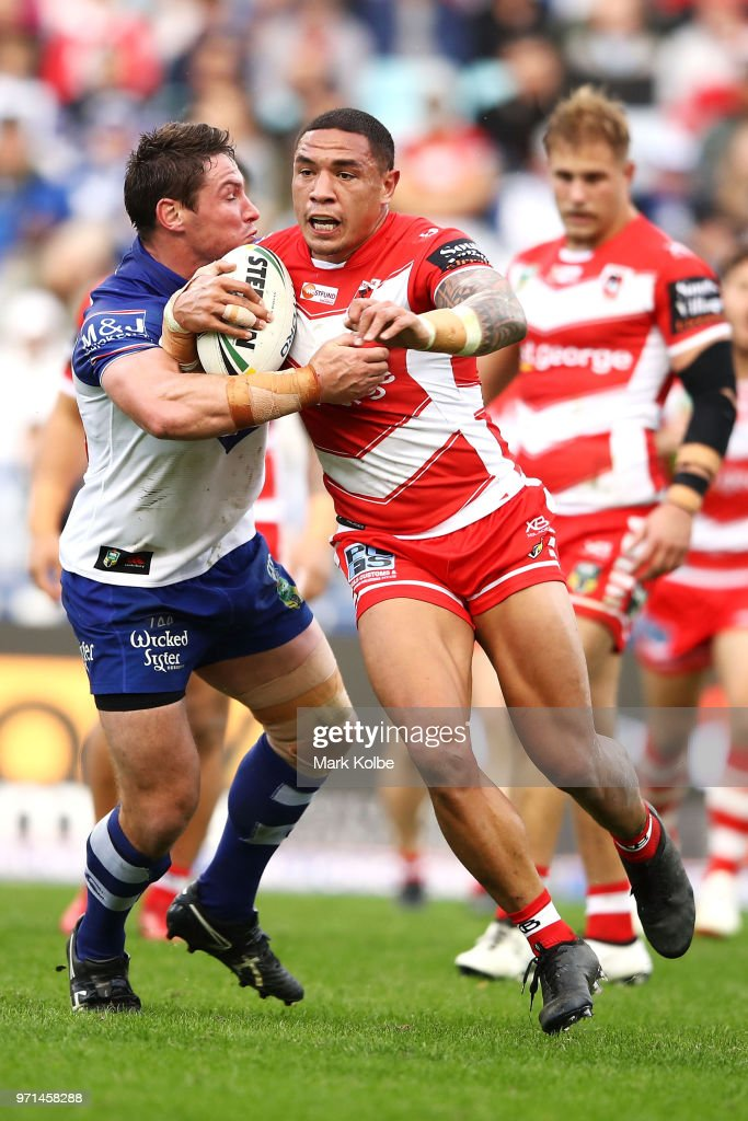 NRL Rd 14 - Bulldogs v Dragons : News Photo