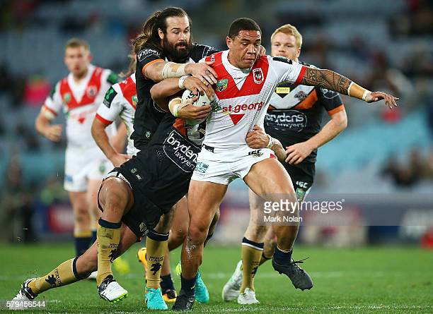Tyson Frizell of the Dragons runs the ball during the round 20 NRL match between the St George Illawarra Dragons and the Wests Tigers at ANZ Stadium...